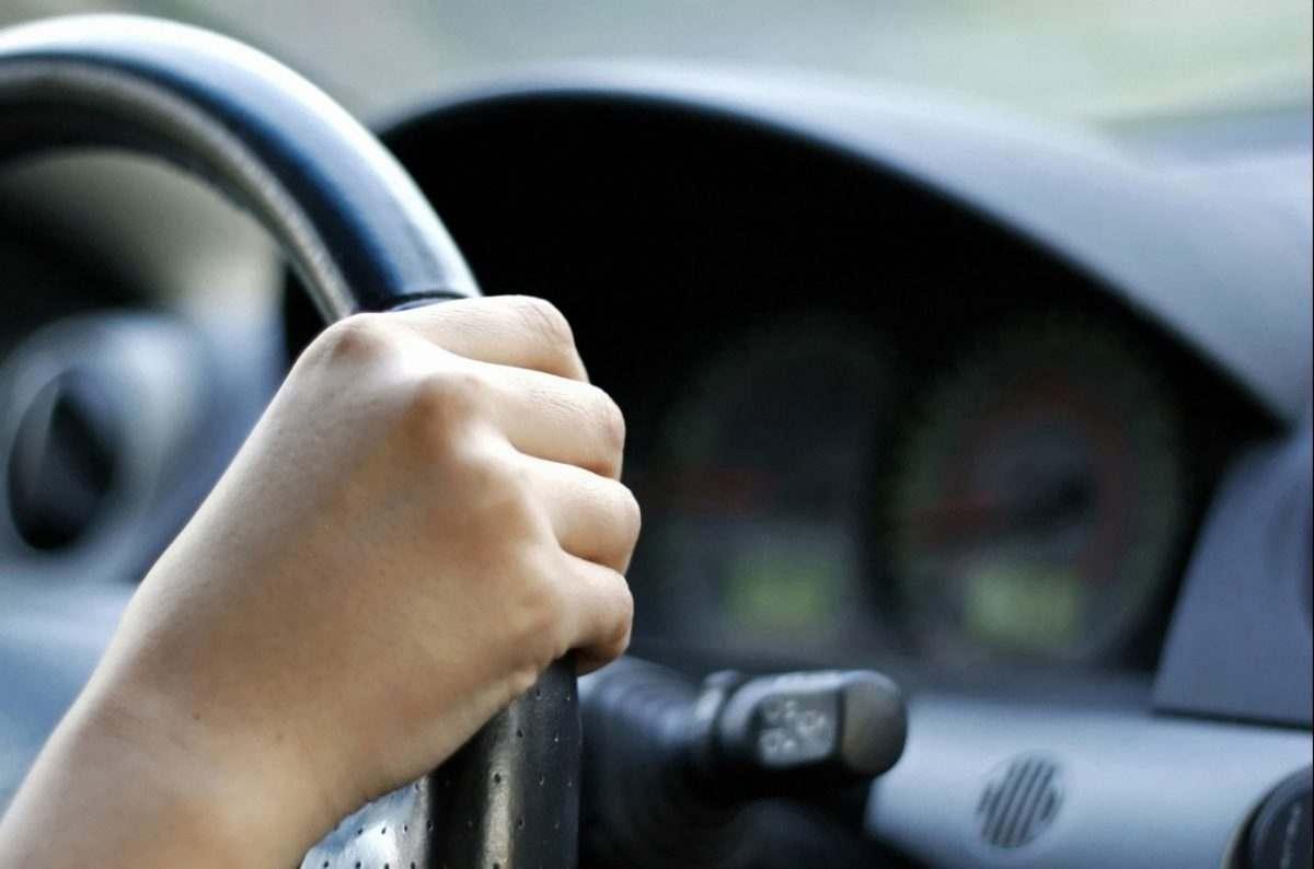 Астраханские водители подрались после аварии