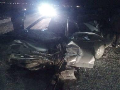 Под Астраханью два отечественных авто столкнулись в лоб, водитель погиб