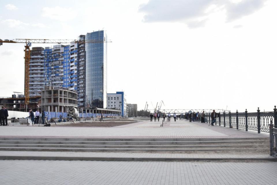 Обновленный участок центральной набережной в Астрахани откроют в этом году
