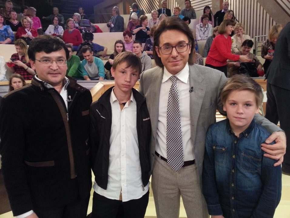 Сельский учитель из Астраханской области за 10 минут поругался с Малаховым и Жириновским