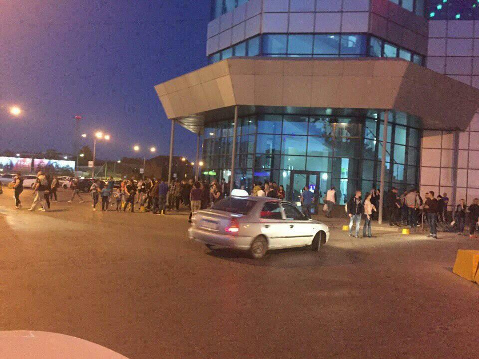 В Астрахани эвакуировали посетителей ТЦ «Алимпик»