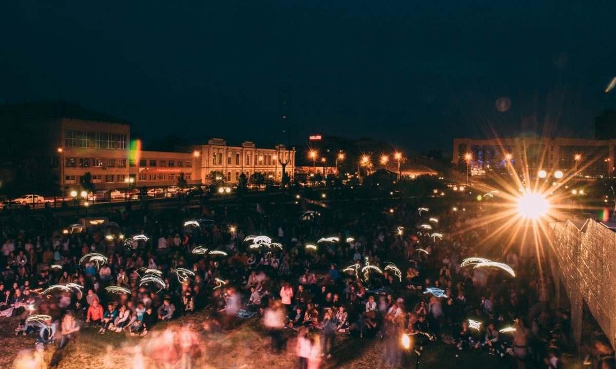 В Астрахани прошла первая «Музыка на траве»