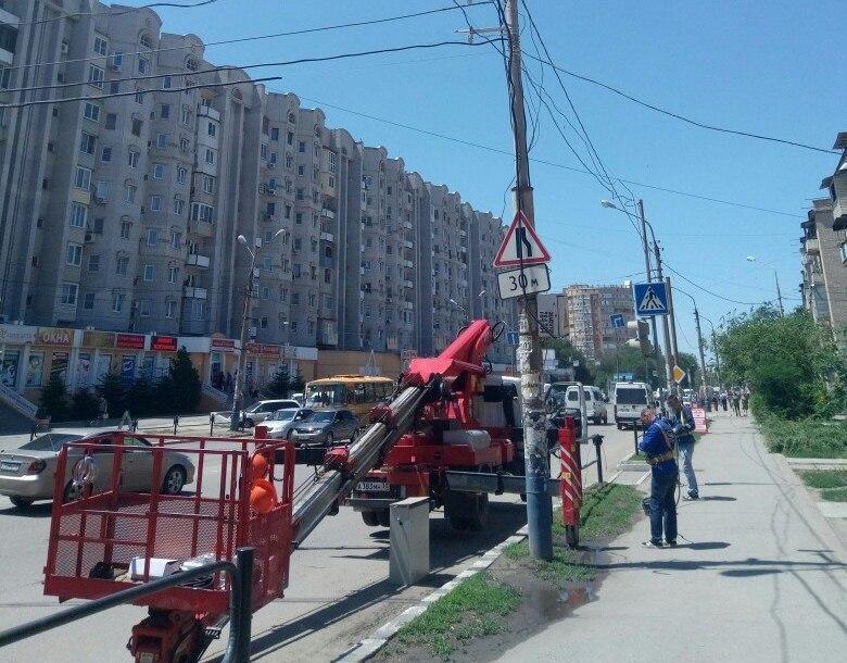 На улице Софьи Перовской продолжают устанавливать камеры видеофиксации