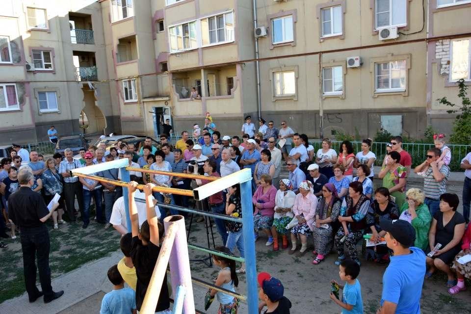 Жители Растопуловки вышли на сход против строящейся свалки