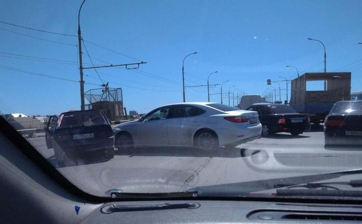 В аварии встретились два любителя объезжать пробки