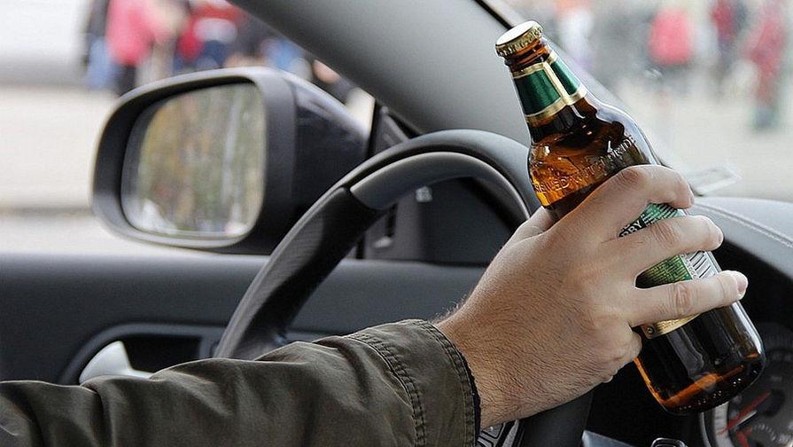 бутылка, руль, водитель