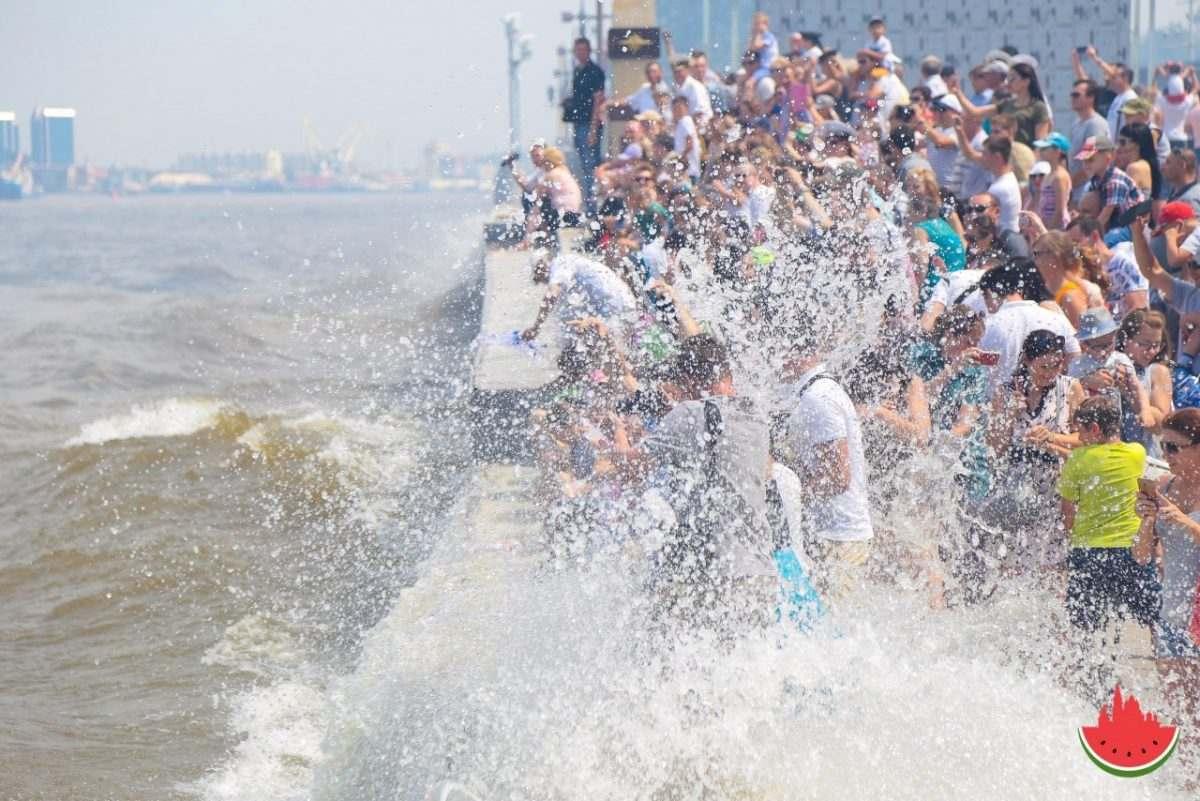 В Астрахани отметили День ВМФ (фоторепортаж)