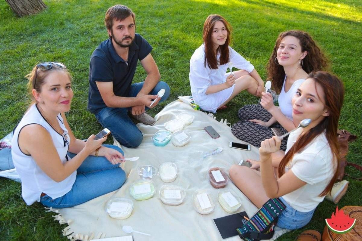«Арбуз» продегустировал сорта «Астраханского» мороженого