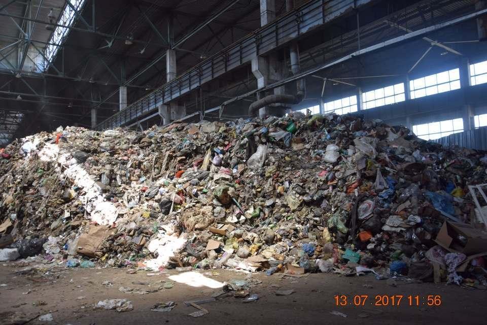Под Астраханью снова заработал временный склад мусора