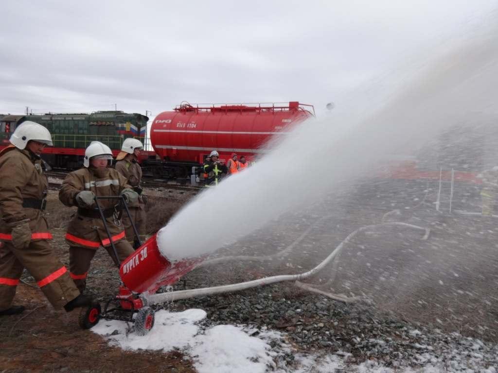 Астраханские пожарные поезда готовы к борьбе с огнем