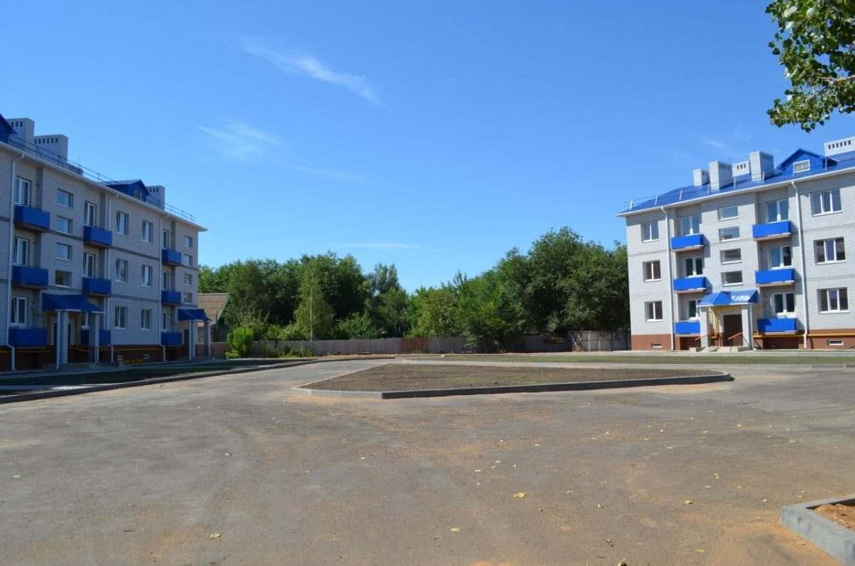120 квартир обещают астраханским сиротам