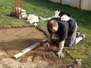 В Астрахани постелили полкилометра газона