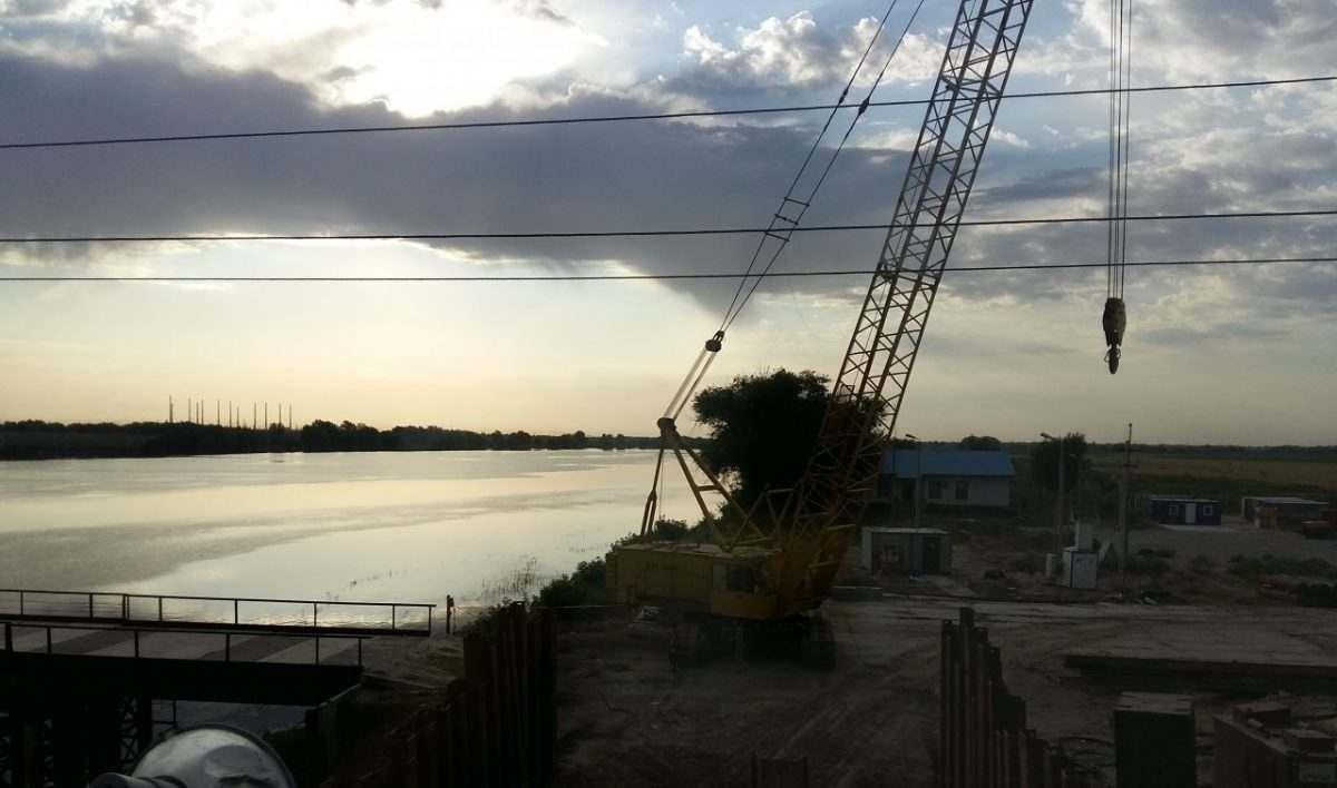 В Астраханской области возводят новый мост через Ахтубу