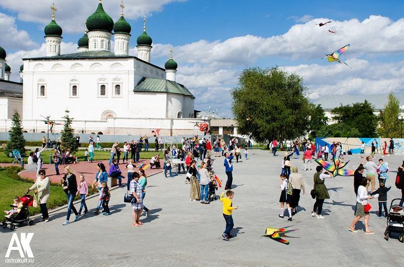 В астраханском кремле снова пройдет фестиваль воздушных змеев