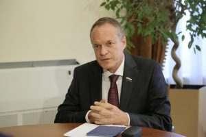 Сенатор рассказал о защите финансовой стабильности Астраханской области