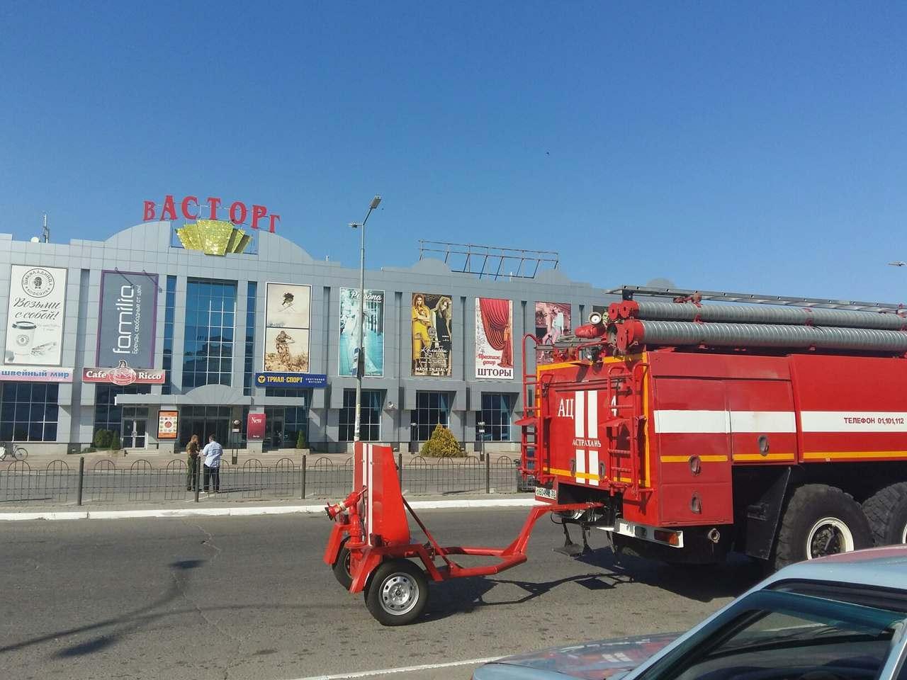 Никаких бомб в торговых центрах Астрахани не нашли