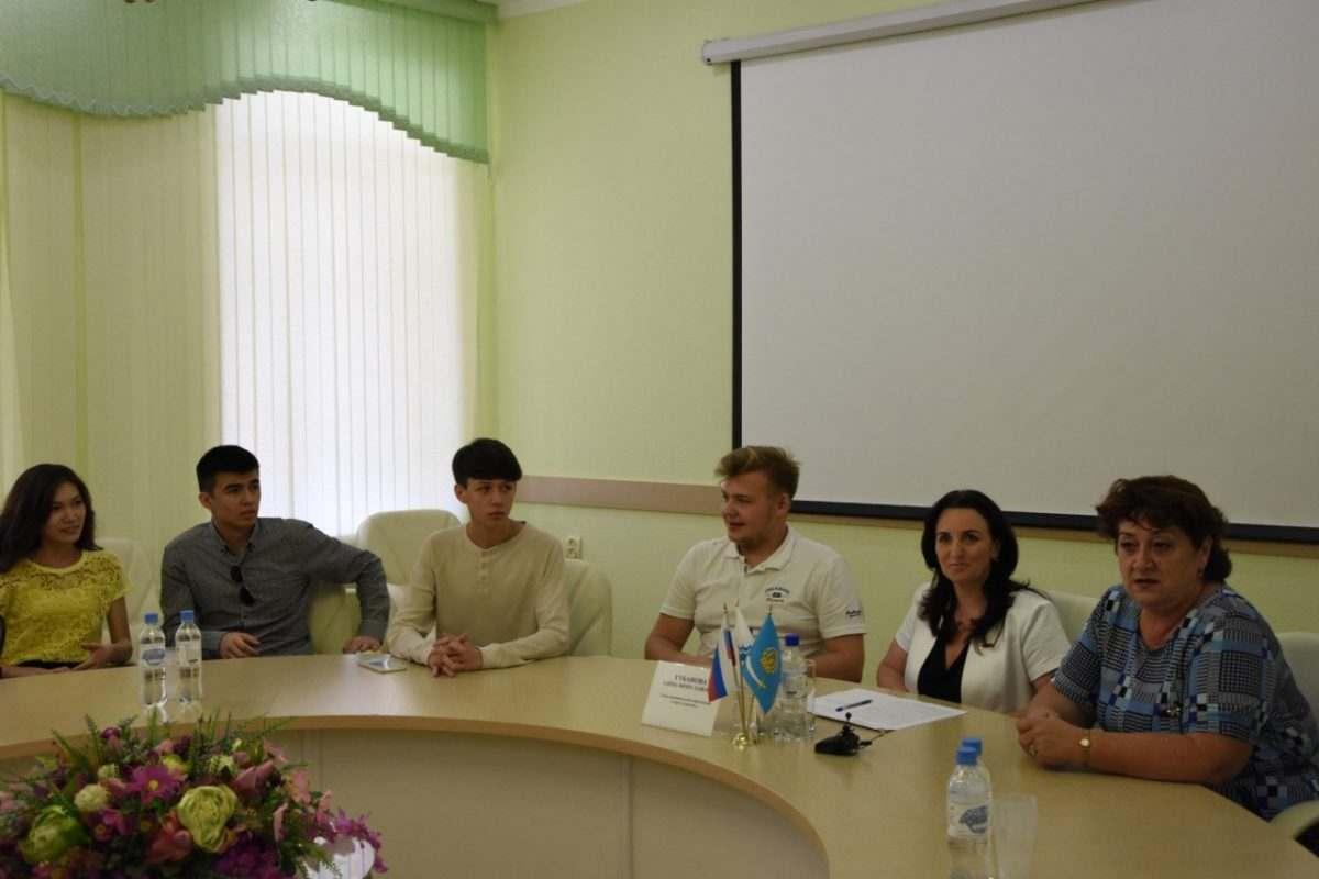 Глава города встретилась со студентами