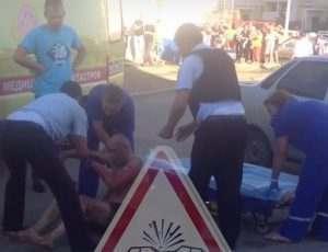В Астрахани мужчина с ножом накинулся на женщину с ребенком