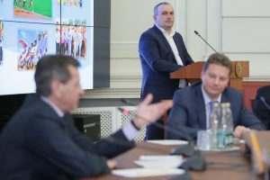 Кресло министра спорта Астраханской области станет свободным