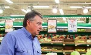 Плохая работа с торговыми сетями могла стать причиной отставки Кучерука