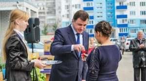Бывший мэр Сергей Боженов рекламирует квартиры в Краснодаре