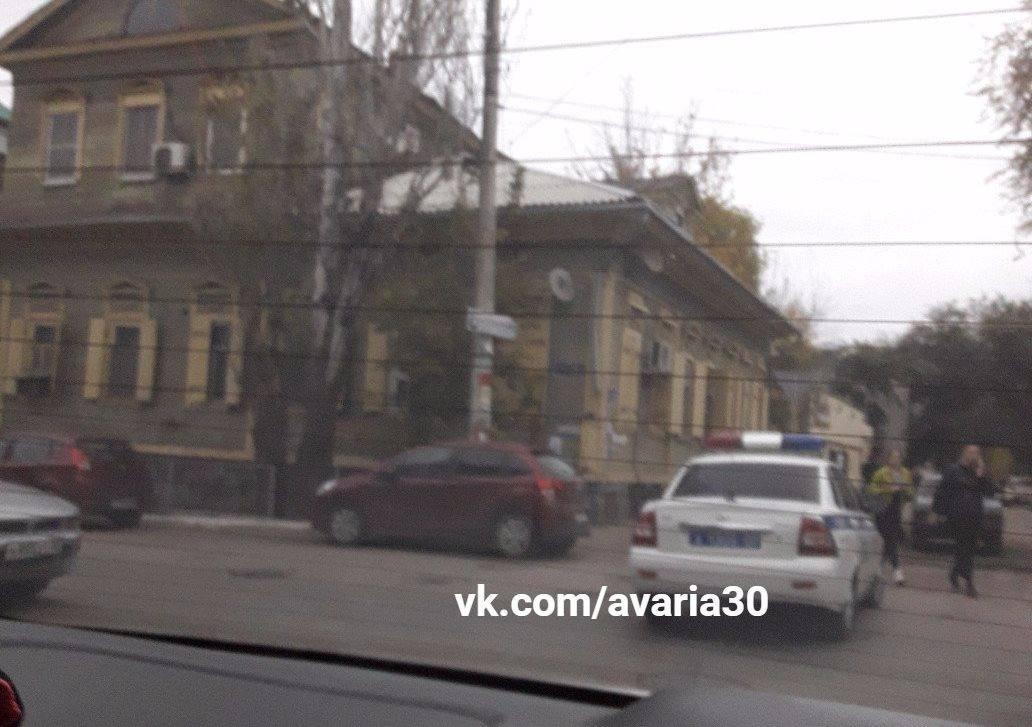 В Астрахани полиция перекрыла улицу Кирова