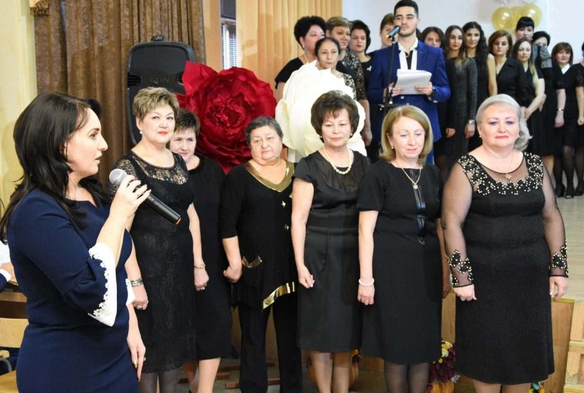 Астраханская школа №1 отметила юбилей
