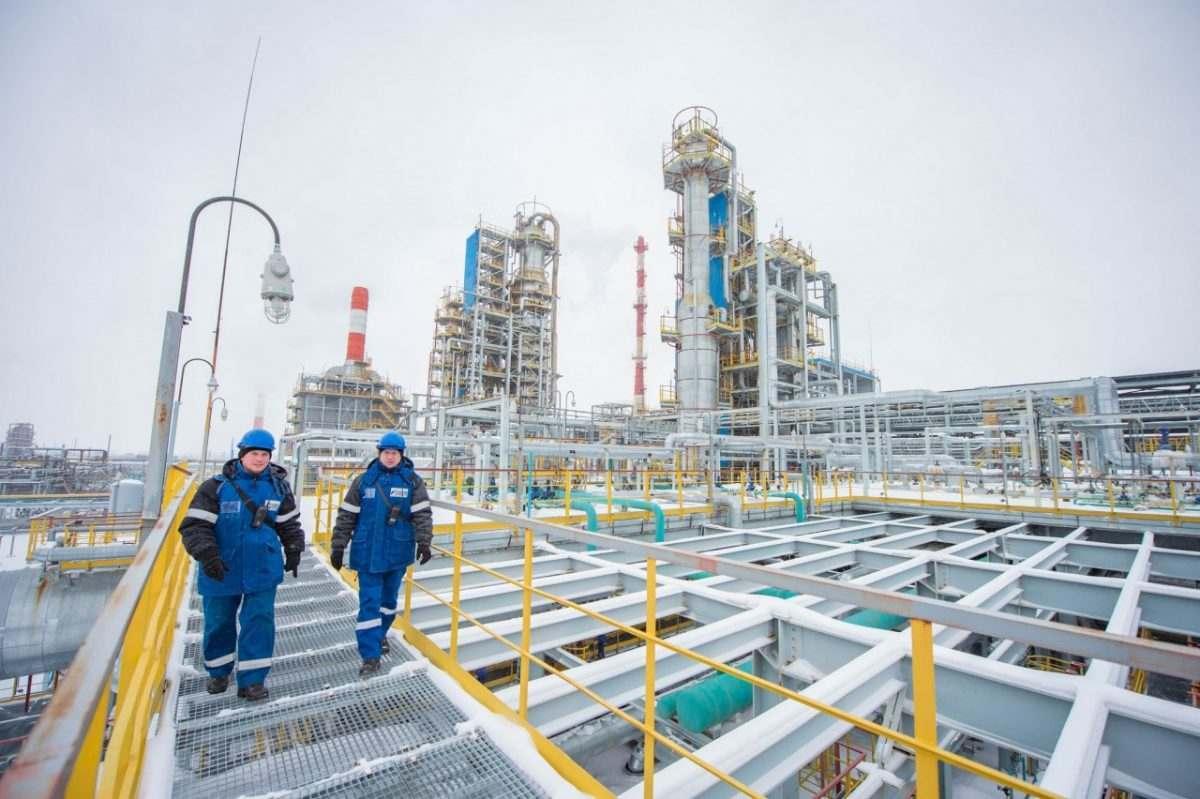 «Газпром» наращивает мощности по переработке газа и газового конденсата