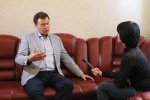 Депутат Николай Арефьев рассказал о зарплатах «среднего класса»