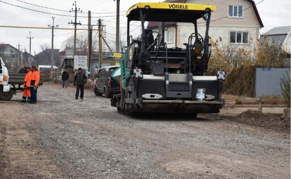 В Астрахани делают новую дорогу к Тополиной роще