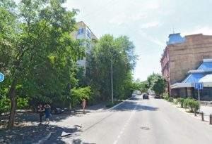 В центре Астрахани загорелась квартира