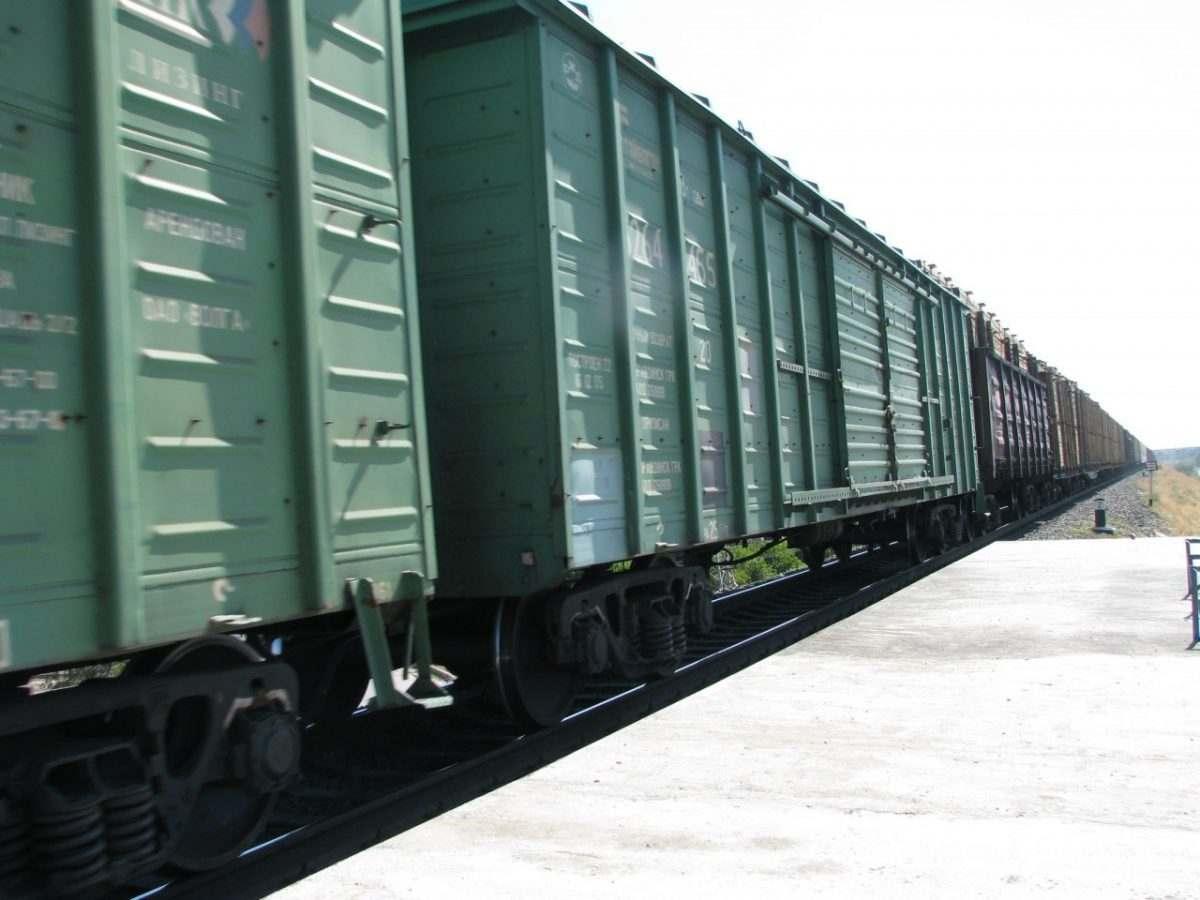 Погрузка в Астраханском регионе Приволжской магистрали в октябре  выросла