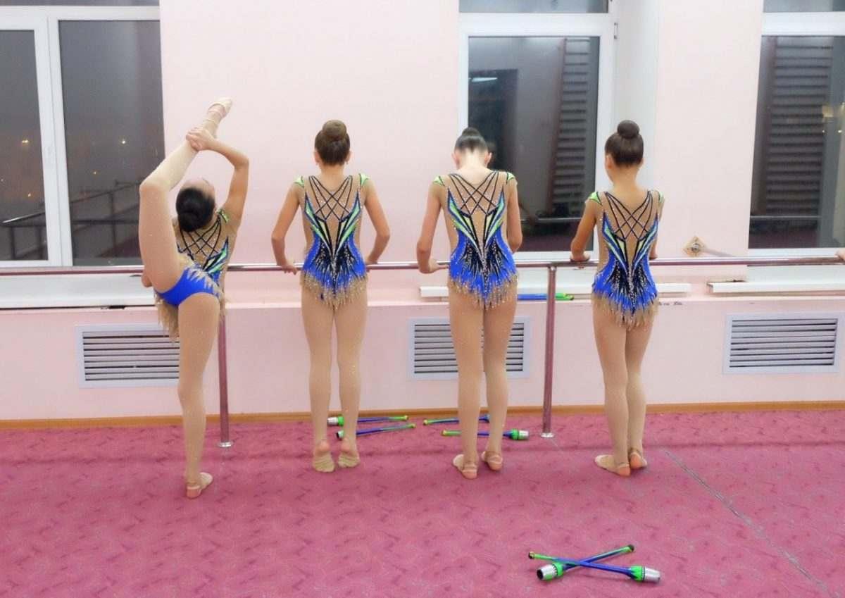 Порхай как бабочка, трудись как каторжная: суровые будни астраханских гимнасток