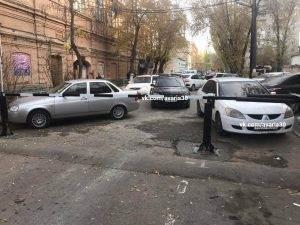 Улицу Советской Милиции перегородили шлагбаумом