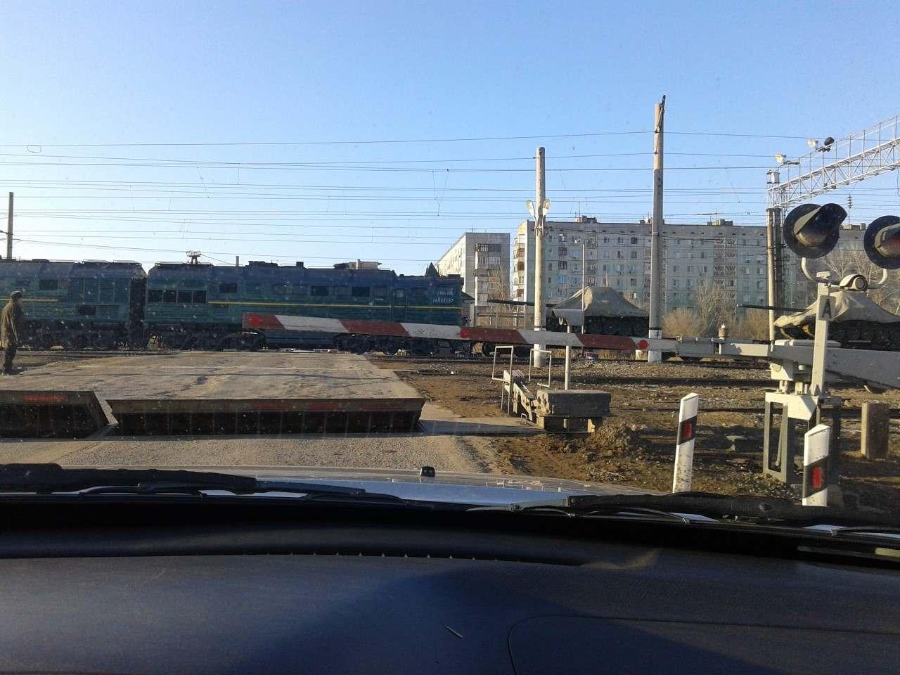 Астраханские железнодорожники провели профилактическую беседу с будущими автомобилистами