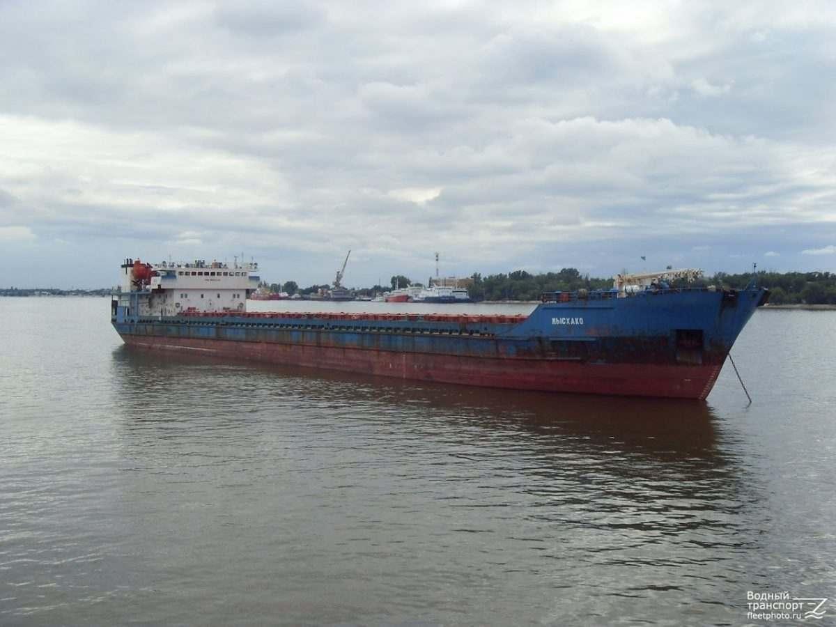 Моряки прекратили голодовку в астраханском морском порту