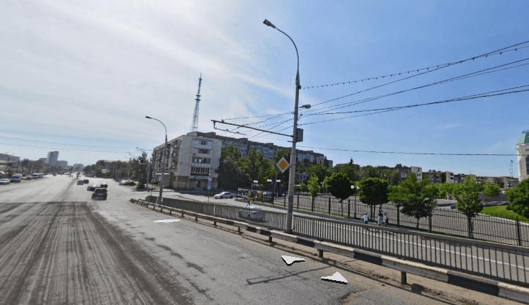 Поворачивать с Нового моста на Коммунистическую запретили