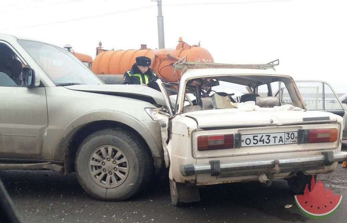 Появилось видео смертельной аварии на Новом мосту в Астрахани