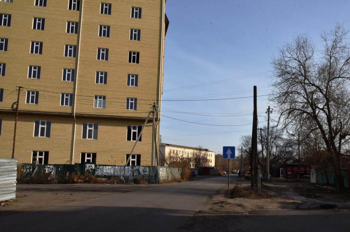 Администрация Астрахани запутала водителей дорожными знаками