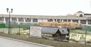 В Астраханском кремле возводят двуэтажную избу