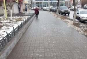 Центр Астрахани превращается в каток
