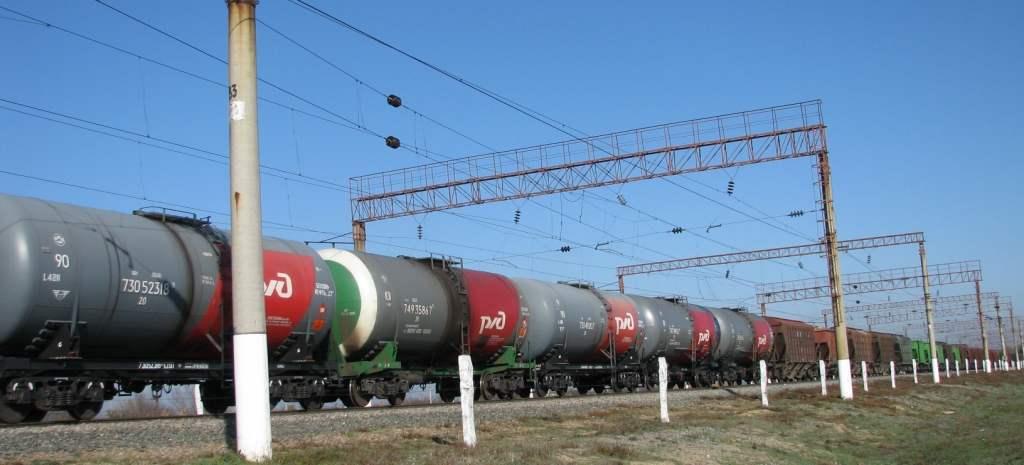 Астраханские железнодорожники погрузили на 4,7% больше грузов