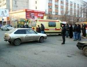 В Астрахани легковушка сбила школьницу