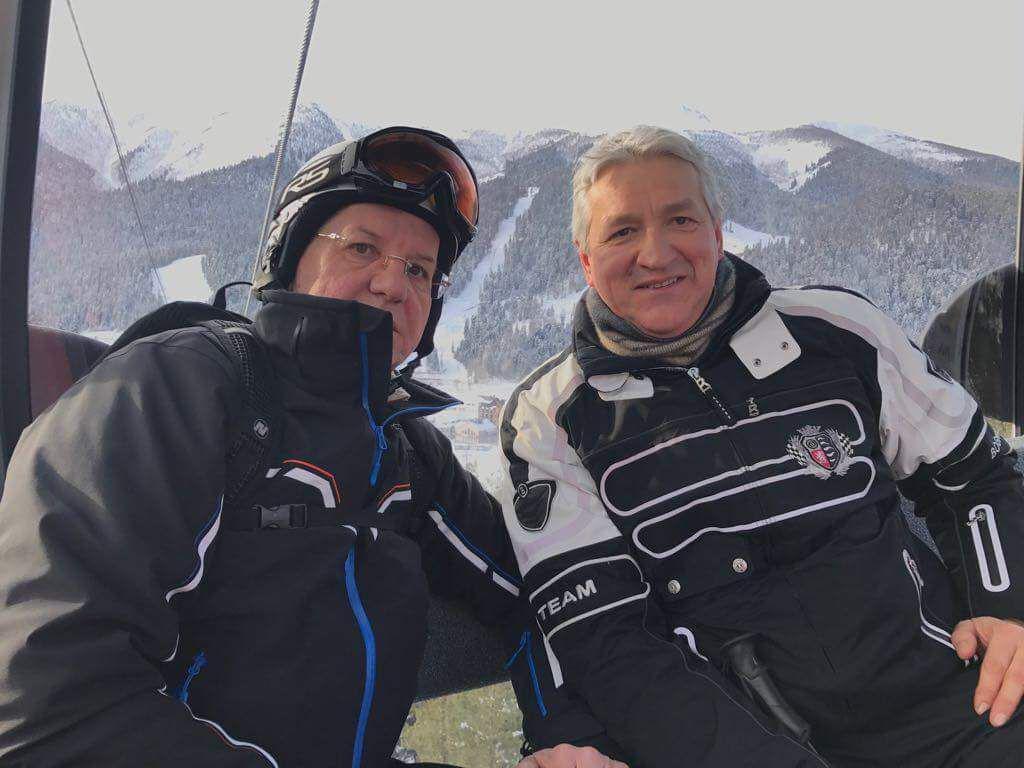 Леонид Огуль хорошо отдыхает с Александром Жилкиным