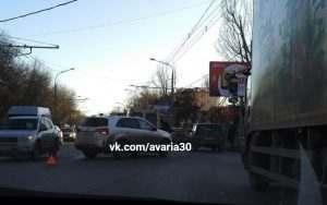 На улице Боевой водитель сбил двух пешеходов сразу