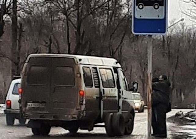 Астраханская маршрутка на ходу потеряла колеса
