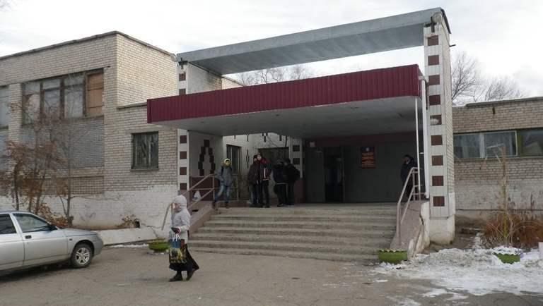 После массового отравления детей закрыли школу в Астрахани