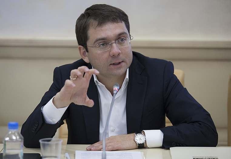 Замглавы Минстроя России отчитал астраханского министра Василия Корнильева
