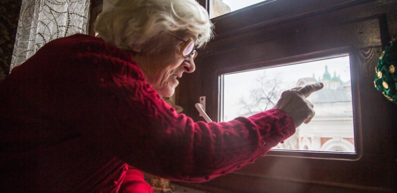 В Астрахани пенсионерка не будет за свой счет ремонтировать аварийную квартиру