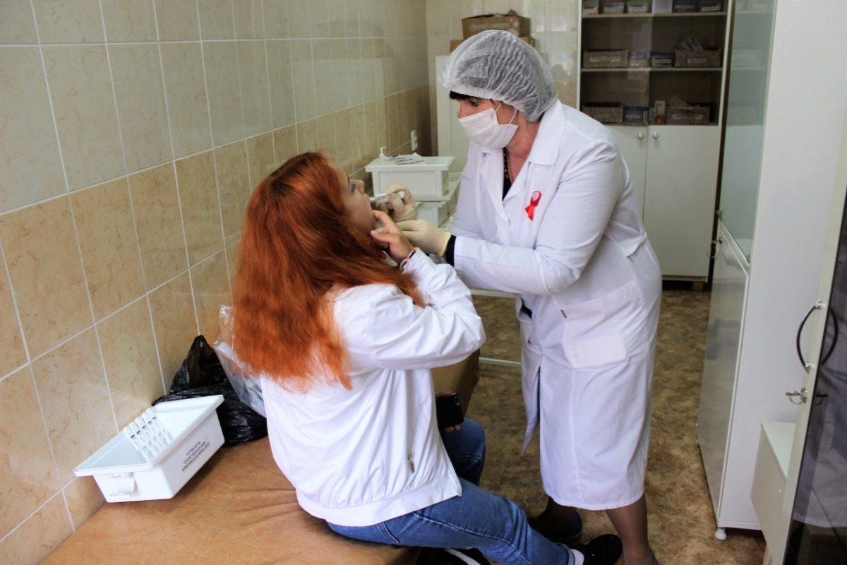 Астраханцы проходят обследование на ВИЧ по слюне